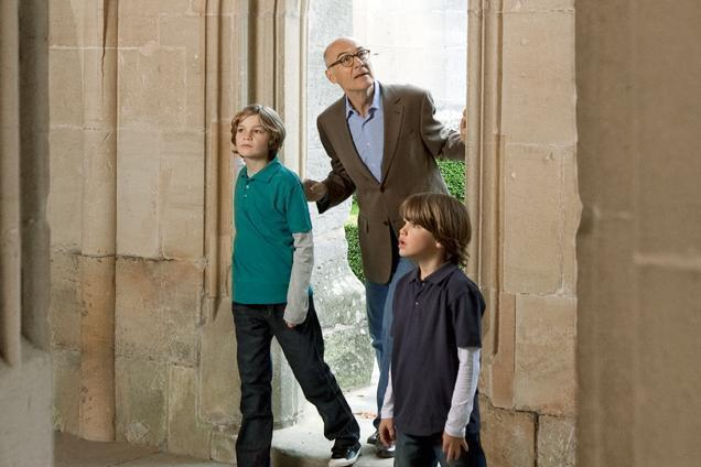 Väter mit Söhnen bei Besichtigung; Foto: Staatliche Schlösser und Gärten Baden-Württemberg, Niels Schubert