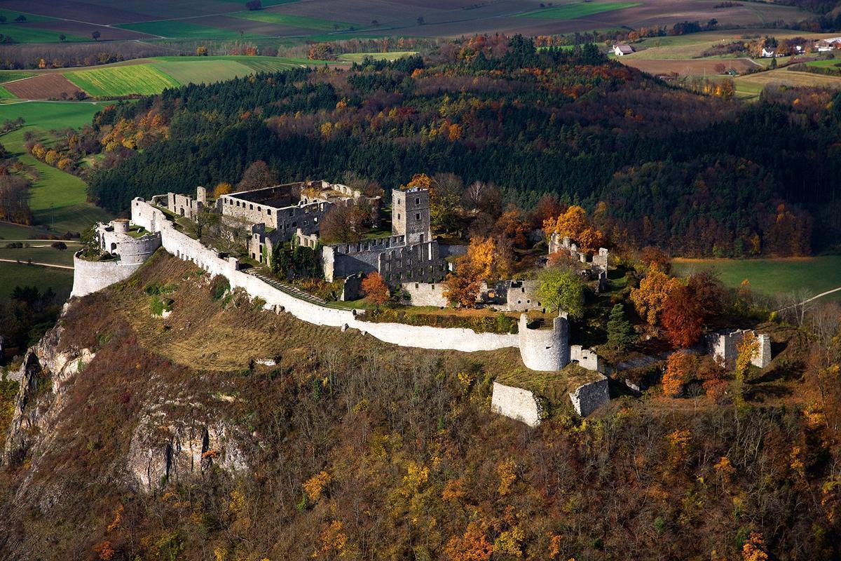 Festungsruine Hohentwiel, Luftansicht; Foto: Staatliche Schlösser und Gärten Baden-Württemberg, Achim Mende