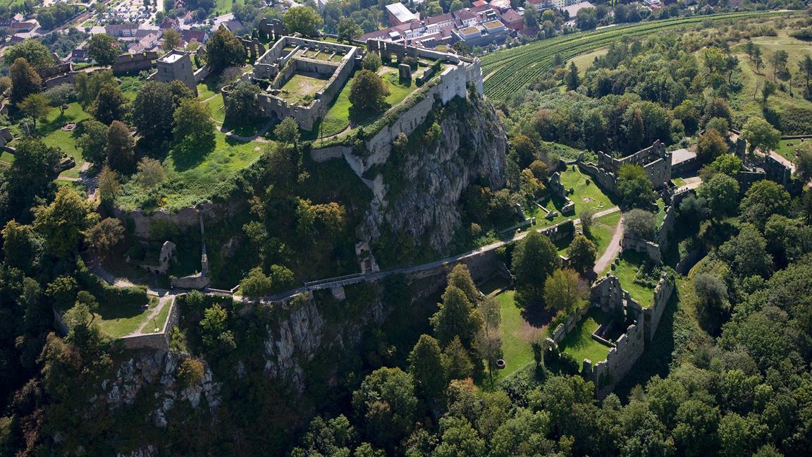 Luftansicht der oberen Festung der Festungsruine Hohentwiel; Foto: Staatliche Schlösser und Gärten Baden-Württemberg, Achim Mende
