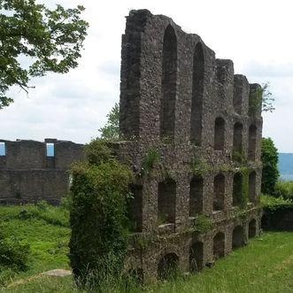 Festungsruine Hohentwiel, Zisterne vor dem Langen Bau der oberen Festung
