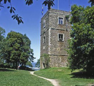 Festungsruine Hohentwiel, Kirchturm der oberen Festung; Foto: Landesmedienzentrum Baden-Württemberg, Urheber unbekannt