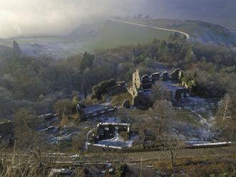 Blick von der oberen auf die untere Festung der Festungsruine Hohentwiel